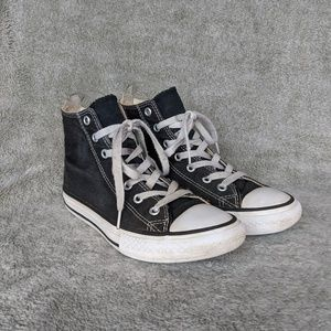 Converse CTAS Youth High Top Blk/Wht Size 2Y